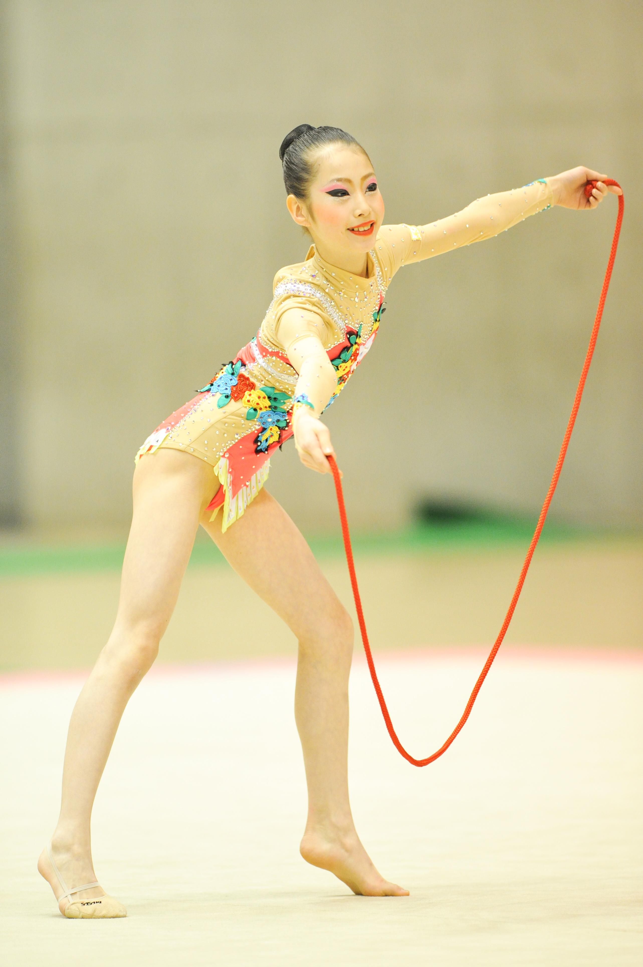 新体操 新体操ではオフシーズンと言われる1~3月の目玉イベントといえば、「全日本チャイルド選手権」。今年で18回目となるこの大会が、2月26~28日に東京体育館で開催され  ...